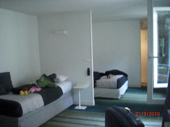 Hotel Lecourbe: Habitación 29 muy amplia