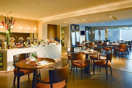 Pan Pacific Serviced Suites Bangkok: Restaurant