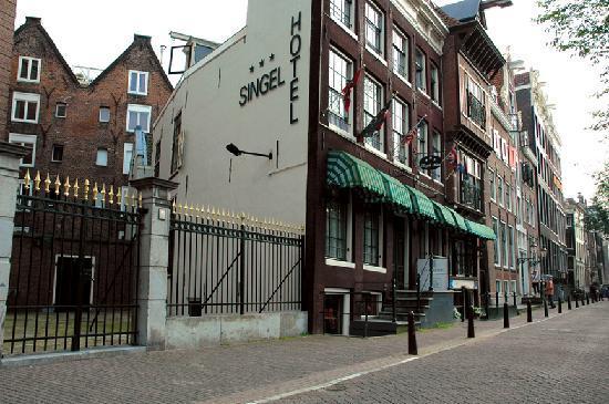 Singel Hotel Amsterdam : Side view Singel Hotel