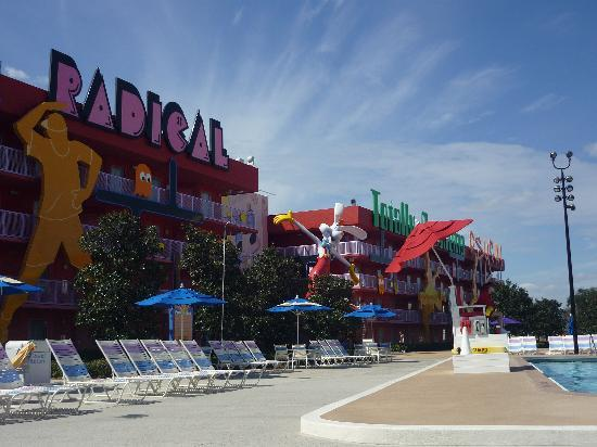Disney's Pop Century Resort: ...