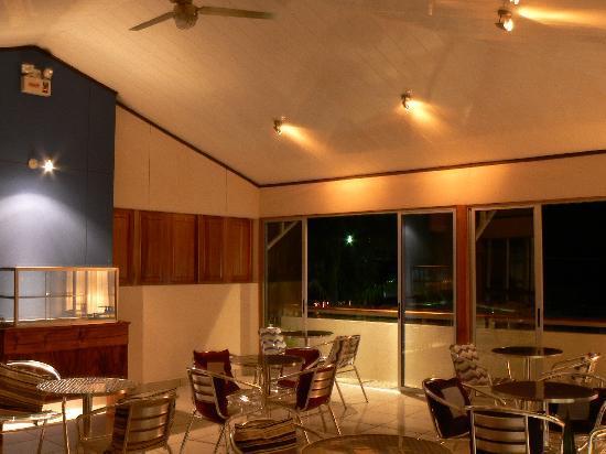 Hotel Arenal Rabfer: Área de estar y Café Bar