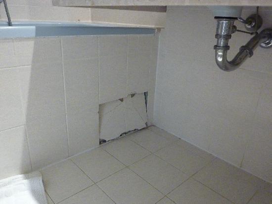 Madame Vacances Les Chalets de la Diva : salle de bain