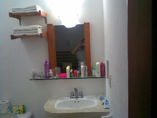Hotel Soberanis Cancun : Baño