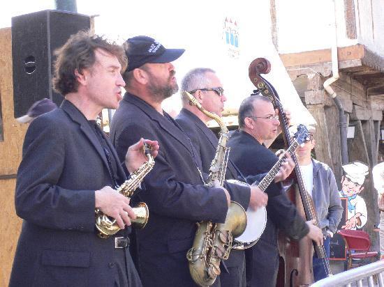 La Maison des Consuls: Jazz Festival - Happy Birthday