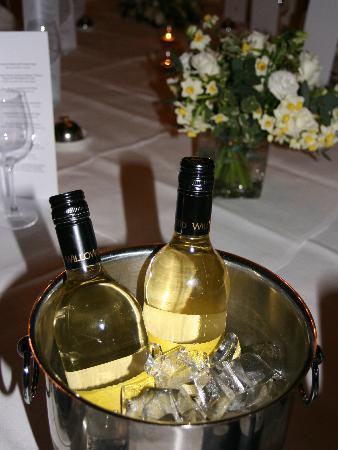 Macdonald Marine Hotel & Spa: Fine Wine & Excellent Food