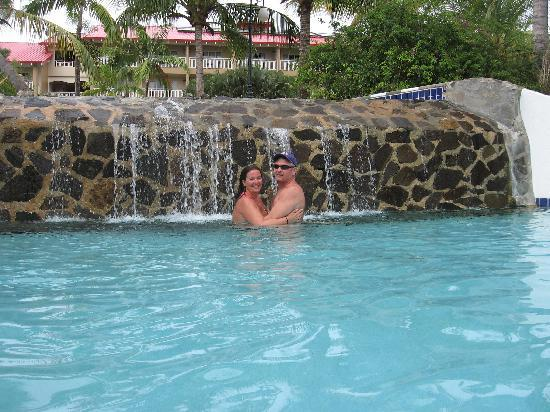 Sandals Grande St. Lucian Spa & Beach Resort: One of the many pools for romance