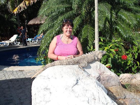 Hotel Riu Tequila: making friends around the pool