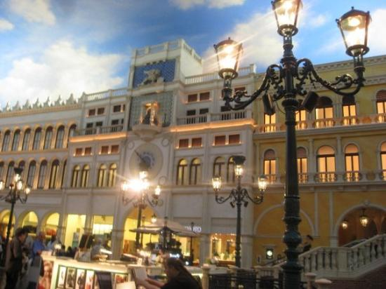 The Shoppes at The Palazzo: more Venetian
