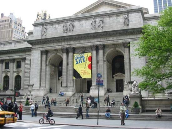 New York Public Library is located 42th Street between 5th and 6th Avenue, in Manhatta