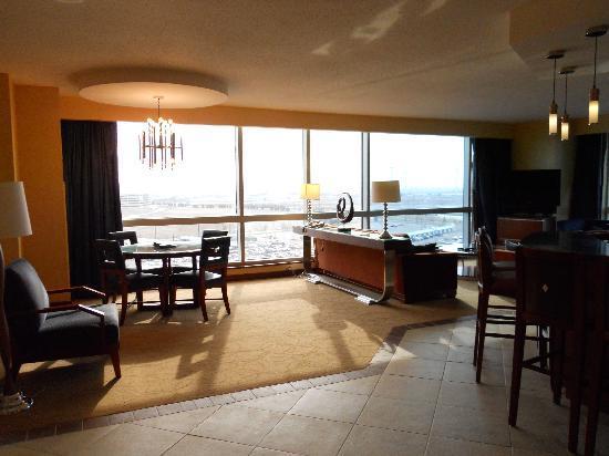 Harrah's Resort Atlantic City: half bath, small closet with safe to right