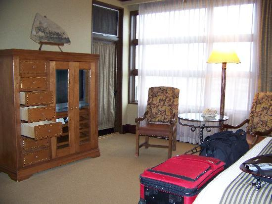 Rough Creek Lodge: Room was spacious and comfortable