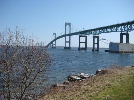 Wyndham Newport Overlook: Pell-Newport Bridge from our back door