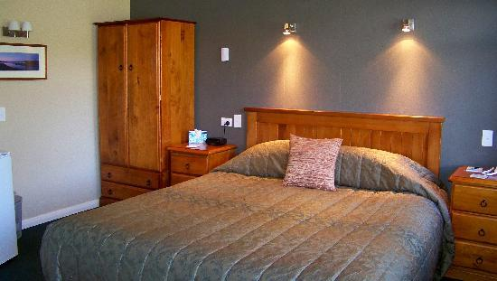 Lake Roxburgh Lodge & Restaurant: Relax in a Deluxe King Studio