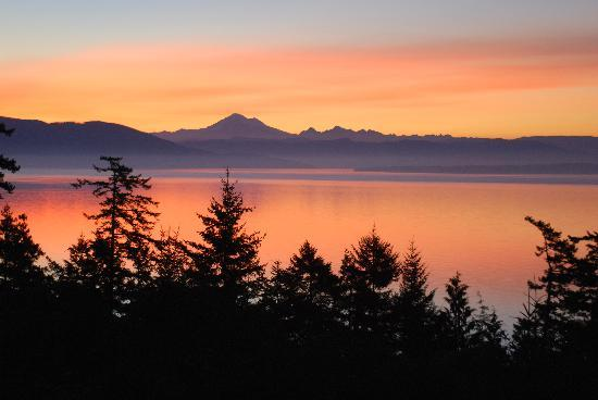Orcas Island Bayside Cottages: another view - Mt. Baker at sunrise