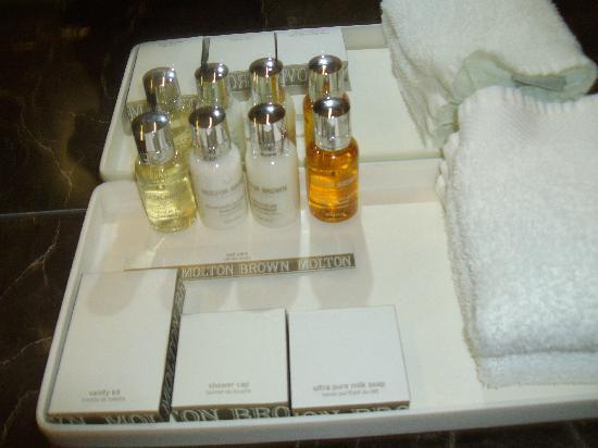 Loden Hotel: molton brown goodies