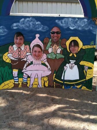 Dorothy's House/Land of Oz: Hehehe
