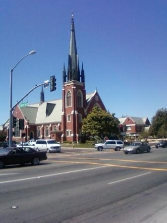 Watsonville, CA: CHURCH!