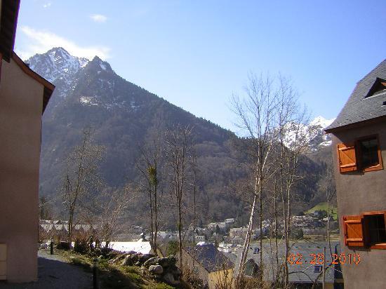 Residence Les Chalets D'Estive : vue des sommets depuis l appartement
