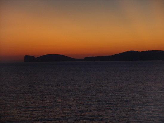 Villa Las Tronas Hotel  & Spa: IL tramonto su Capo Caccia visto dalla stanza di albergo