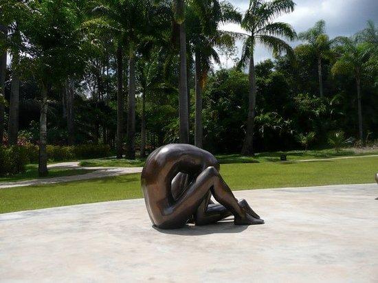 Brumadinho, MG : sculpture dans le parc