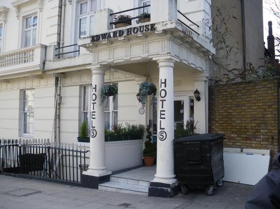 Edward House: entrada hotel