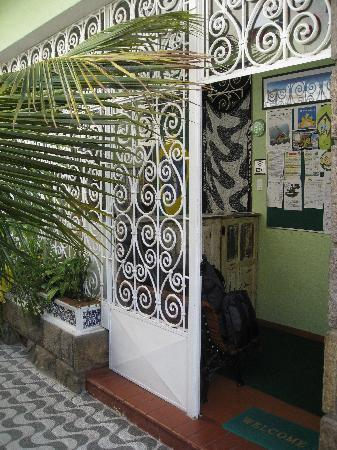 CabanaCopa Hostel: hostel entrance
