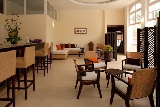 Hotel L'Archipel: Bar Ton Francis  View 2