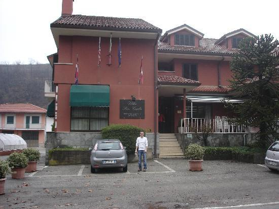 Villa San Carlo Hotel: Outside of hotel