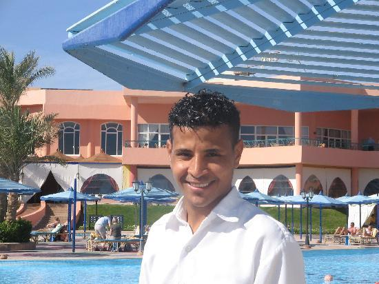 Royal Albatros Moderna: mario the best waiter