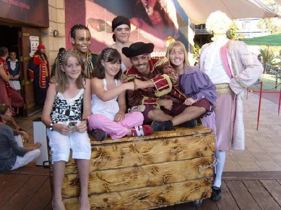Pirates Adventure Show : My Girl's with 'Pirates'