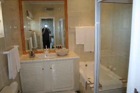 Sundowner: En-suite bathroom