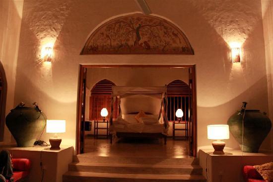 Alankuda Beach : The Maser Bedroom, Khomba House