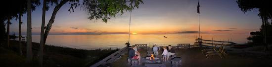 Shallows Resort: Sunset at the Shallows