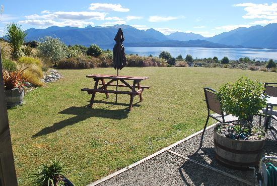 Loch Vista Lakeview Accommodation: The great view
