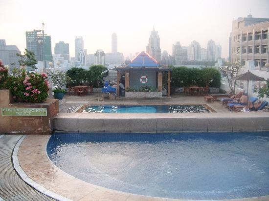 Zenith Sukhumvit Hotel Bangkok: Pool