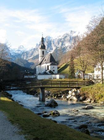 Berchtesgaden, Allemagne : famous church painted by Ike3