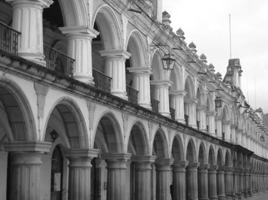 La Plaza (Parque Central): Building at Parque de Central, Antigua