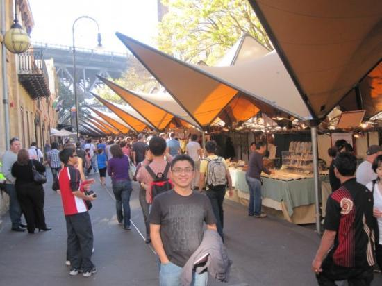 The Rocks: The Rock Market, just like our Kaya Street in KK.. but with more variety of goods... haha...