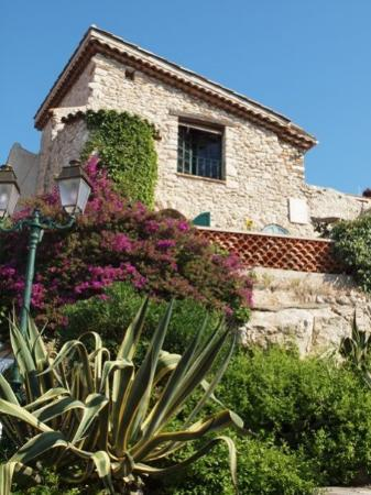 The beautiful Villa Fontaine in Antibes, France.  This is where I live for three months.  Painti