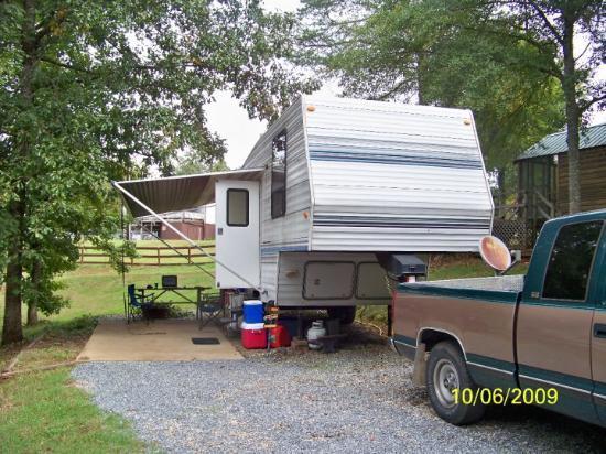 ฟอเรสต์ซิตี, นอร์ทแคโรไลนา: Our camper in Forest City, NC