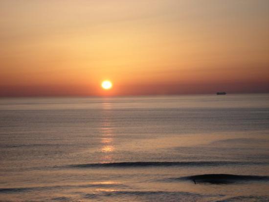 Ocean Front Sunrise In Ocean City Maryland