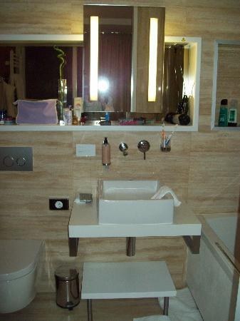 Mama's Design & Boutique Hotel: Bathroom