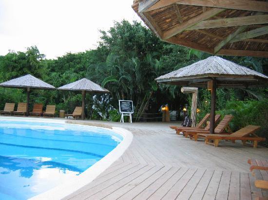 Henry Morgan Beach Resort: The pool large enough