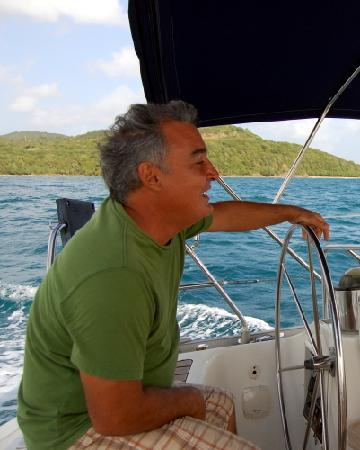 Ventajero Sailing: Captain Domingo