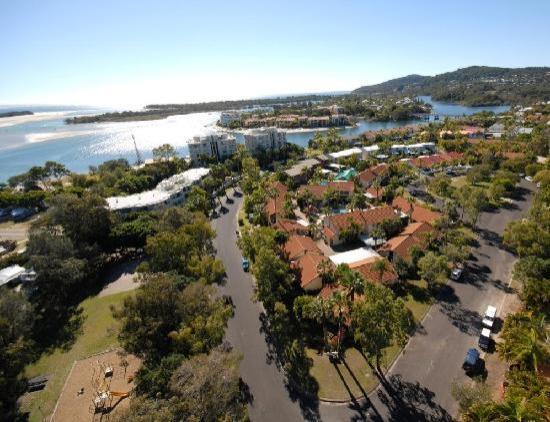 Wolngarin Holiday Resort Noosa: 2 minutes walk to closest fishing and swimming beach