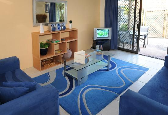 Wolngarin Holiday Resort Noosa: Townhouse living area