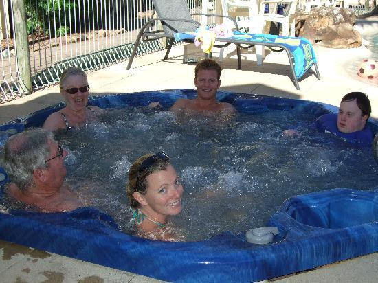 Wolngarin Holiday Resort Noosa: Heated Spa