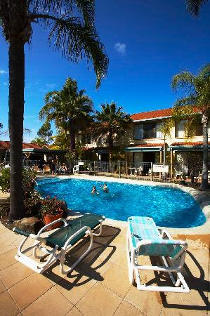 Wolngarin Holiday Resort Noosa: Heated Pool