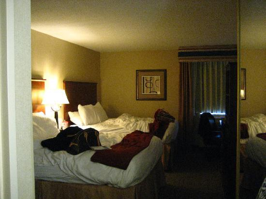 Holiday Inn Express Ramsey-Mahwah: room - the little ones unmade the bed before i could get a photo