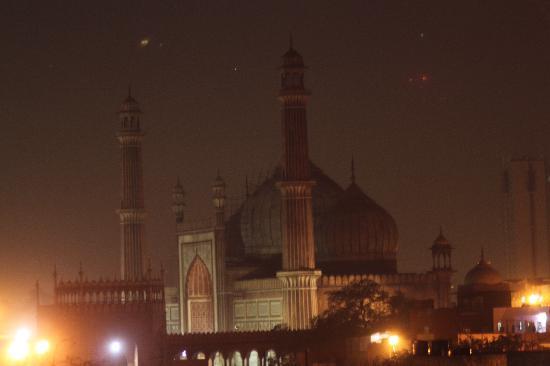 Hotel Tara Palace Chandni Chowk: View of Jama Masjid from rooftop